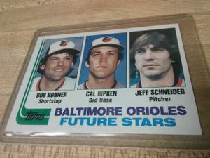 Beautiful 1982 TOPPS Baseball Set Mint+ w Doubles for Sale in Greensburg, PA