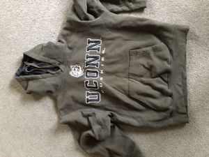 UConn Sweatshirt (Size M) for Sale for sale  East Haddam, CT
