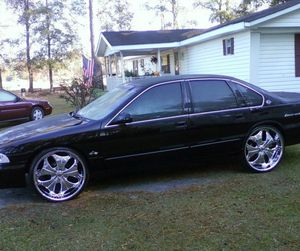96 chevy impala ss fast and great loaded for Sale in Detroit, MI
