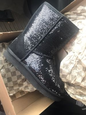 UGGS Sparkly black. All sizes for Sale in Cleveland, OH