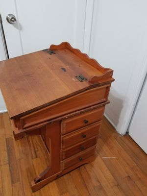 Small desk with 8 drawers and table top storage $60 for Sale in Coral Gables, FL