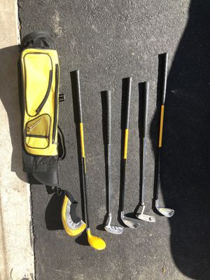 Kids size golf club set with carrying bag for Sale in Fairfax Station, VA