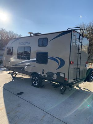 2019 Sonoma forest river camping trailer for Sale in Fresno, CA