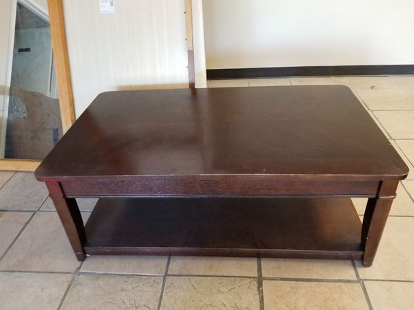 "LIFT COFFEE TABLE 47"" 3/4 LONG"