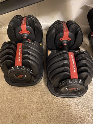 Bowflex Selecttech Adjustable Dumbell Set (w Base)- 5lbs to 52.5lbs - $275 OBO for Sale in Virginia Beach, VA