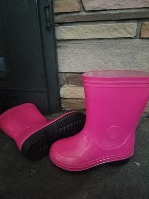 Girls size 9 rain boots for Sale in Clarks Summit, PA