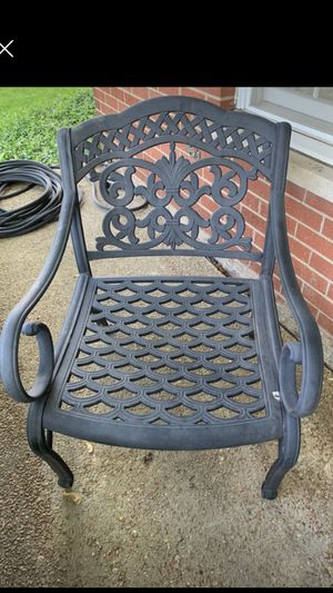 HANAMINT deep seat cast aluminum chairs for Sale in Willowbrook, IL