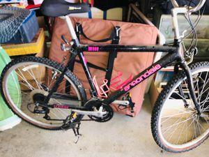 Cannondale mountain bike medium for Sale in Sunnyvale, CA