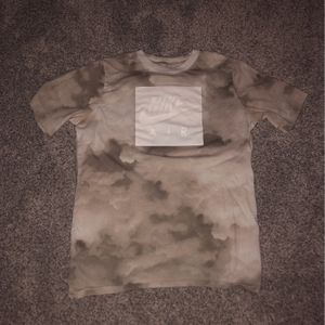nike shirt XL in KIDS for Sale in Redmond, OR