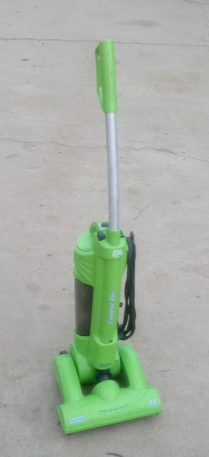 Dirt Devil Express Vacuum for Sale in Perris, CA