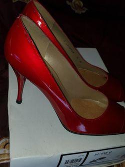 Sz 9 (fits Like 8-8.5) Red Heels Stuart Weitzman for Sale in Norcross,  GA