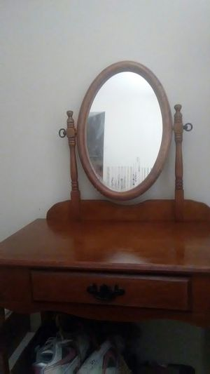 Vanity excellent condition for Sale in Salt Lake City, UT