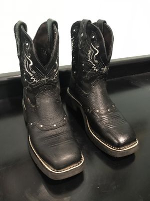 Justin Cowboy Boots for Sale in Menifee, CA