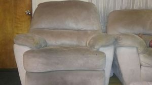 Great 3 piece reclining living room set for Sale in Detroit, MI