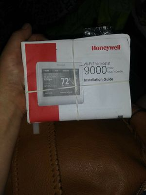 Honeywell 9000 Wi-Fi thermostat for Sale in Bedford, TX