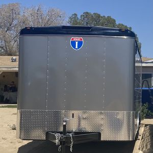 2020 Interstate Enclosed Car Hauler Fairly New for Sale in Los Angeles, CA