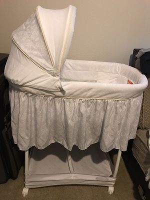 Baby Bassinet for Sale in Plano, TX