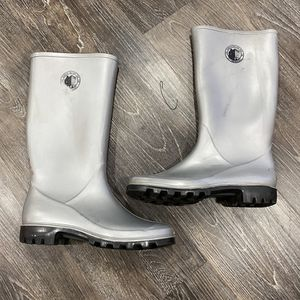 Women's Kenneth Cole Rain Boots (size 39) Size 8.5 for Sale in Turlock, CA