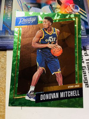 2017-2018 Panini Prestige Basketball Donovan Mitchell Green Cracked Ice parallel Card No. 13 for Sale in San Diego, CA
