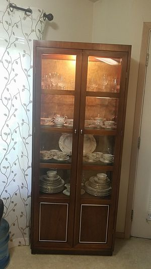 Antique collectible china cabinet for Sale in Vancouver, WA
