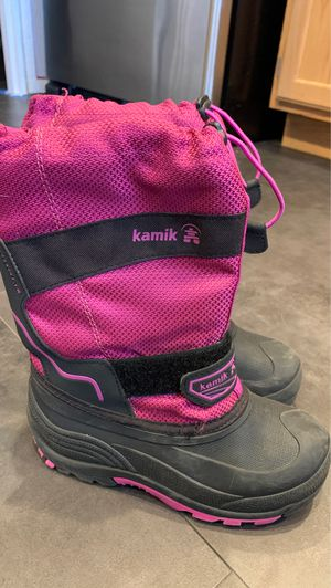 Kids size 2 snow boots kamik brand for Sale in Tumwater, WA