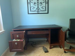 Office Desk for Sale in Fort Worth, TX