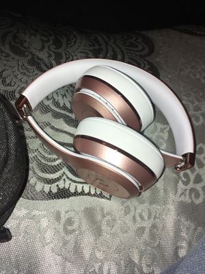 Beats solo 3 rose gold for Sale in Mesquite, TX