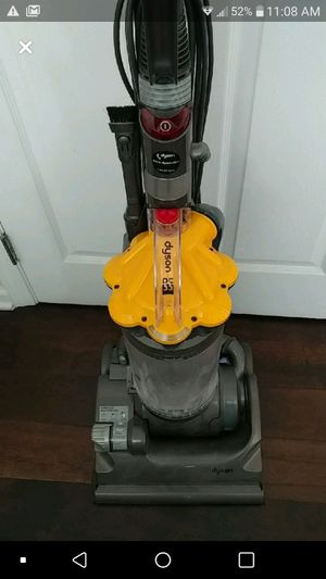 Dyson dc33 vacuum for Sale in Los Angeles, CA