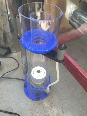 Eshopps skimmer w/ sicce pump for Sale in Santa Monica, CA