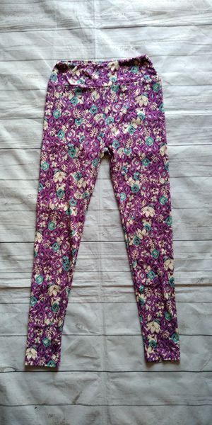 Beautiful LulaRoe Pants , girls One Size ( excellent condition ) for Sale in Frederick, MD