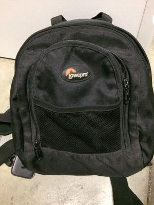 Lower pro DSLR camera small backpack for Sale in Roseville, CA