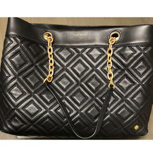 Tory Burch 41885 Fleming Triple Compartment Black Leather Tote MSRP$498 for Sale in Hialeah, FL
