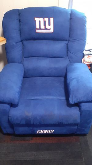 Brand new new York giants recliner just don't use it paid 900.00 dollars for it for Sale in Ellicott, NY