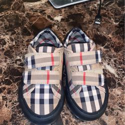 Burberry Shoes Size 23/7c for Sale in Palos Hills,  IL