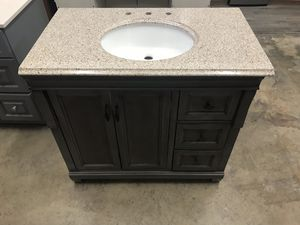 36 inch vanity for Sale in Commerce, CA