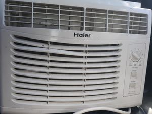 Window AC UNIT 120 VOLT for Sale in Alhambra, CA