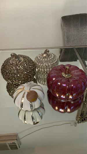 Decorative pumpkins for Sale in Los Angeles, CA