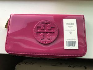Tory Burch Wallet ***NEW*** for Sale in Lynnwood, WA
