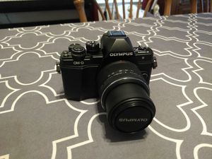 Olympus OM-D E-M10 MkII mirrorless digital camera for Sale in The Bronx, NY