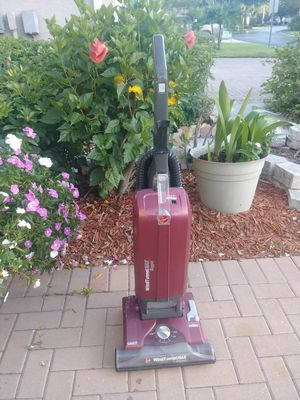 Hoover Wind Tunnel Max vacuum. Bagged for Sale in Fort Myers, FL