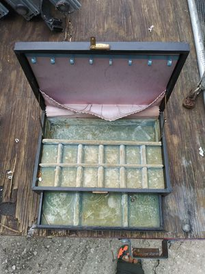Old jewelry box for Sale in Palmetto, FL