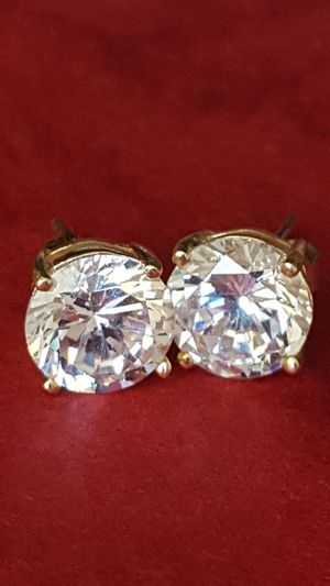 Beautiful Stud Earrings, 925 Silver, covered in 10k gold, 2.68gr, Cz Diamond for Sale in Covington, KY