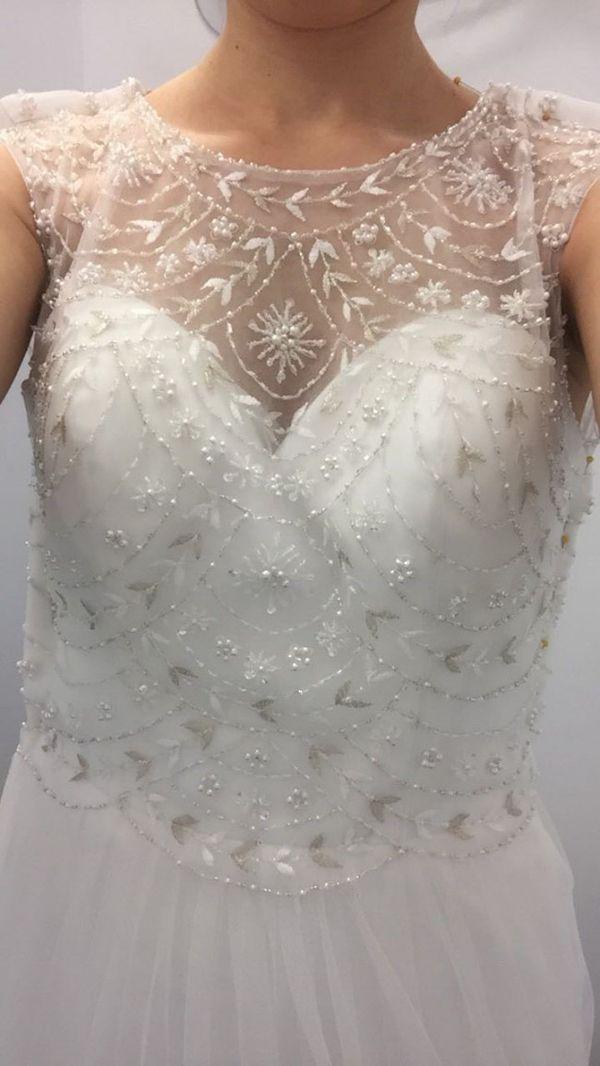 2017 Wedding Dress - EXCELLENT CONDITION