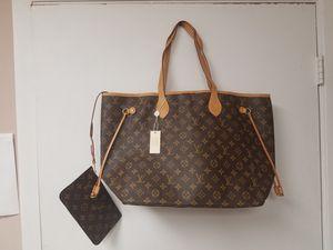 Gorgeous new large never fuller handbag for Sale in Coconut Creek, FL
