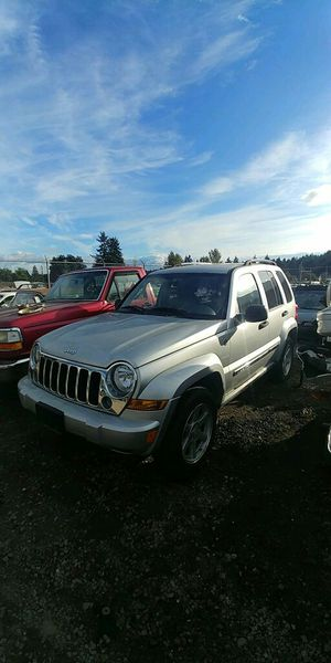 Parting out 2006 Jeep liberty for Sale in Spanaway, WA