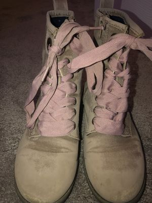 Girls size 3 Cat &Jack fashion boots for Sale in DeKalb, IL
