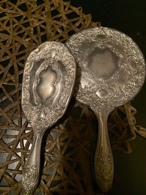 Antique brush and mirror for Sale in OSBORNVILLE, NJ