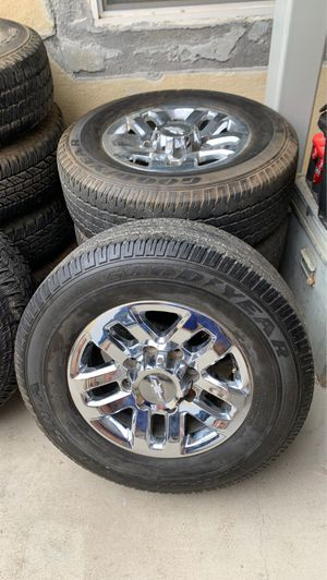 2017 Chevy 2500 wheels & tires for Sale in Riverside, CA