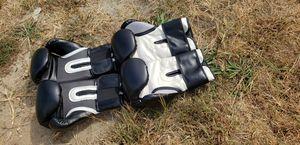 Boxing gloves for Sale in Atlanta, GA