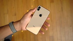 Iphone sx gold max 256g...2019 model retail $1,250 for Sale in St. Louis, MO